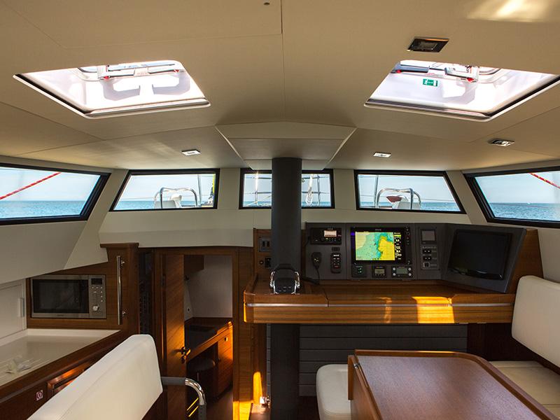 Almodovar Diplopie Segelboot Unter Deck Sommer M C O Sailing