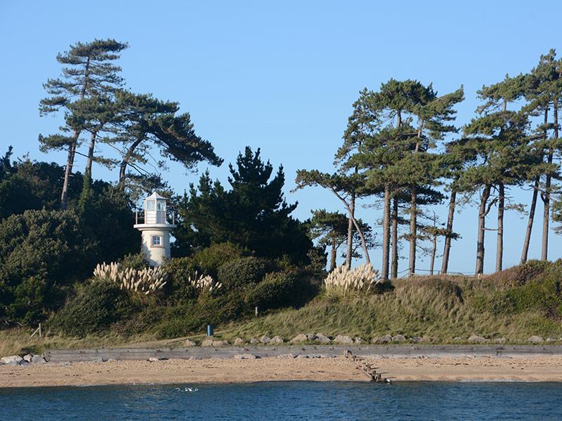Leuchtturm Ufer Baeume Strand Mco Sailing